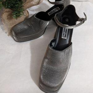 Xhilaration grey Sparkle SHINE heels Sz 8